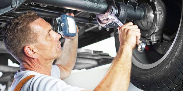 Wichtig für hohe Fahrsicherheit und geringen Reifenverschleiß: die Achsvermessung